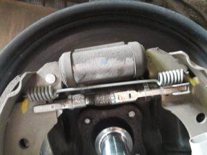 pedal de freio baixo
