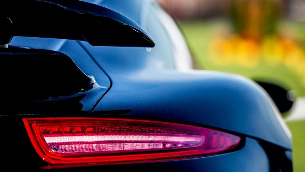 luzes traseiras de carros