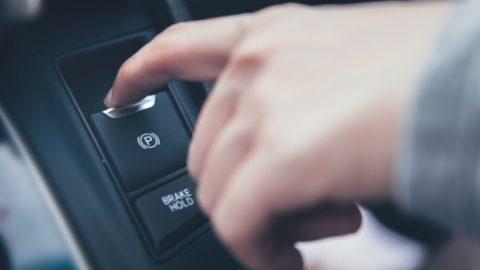Freio de estacionamento eletrônico: troca das pastilhas